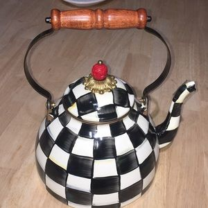 Mackenzie-child's enamel tea kettle 3 quarts